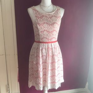 Flirty lace Elle dress